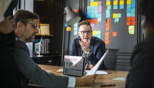 Embaucher un directeur commercial : pourquoi solliciter une agence de recrutement spécialisée ?
