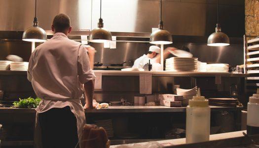 Le secret d'un métier de cuisinier dans la restauration collective