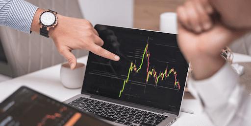 Les étapes à suivre pour devenir un trader en ligne